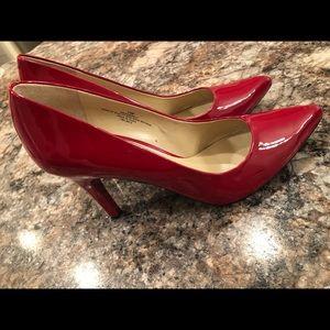 Nine West NWOT Red Patten Leather Heel! 😍👠